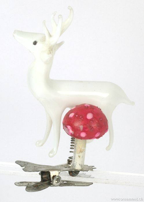 Deer with Mushroom on Clip
