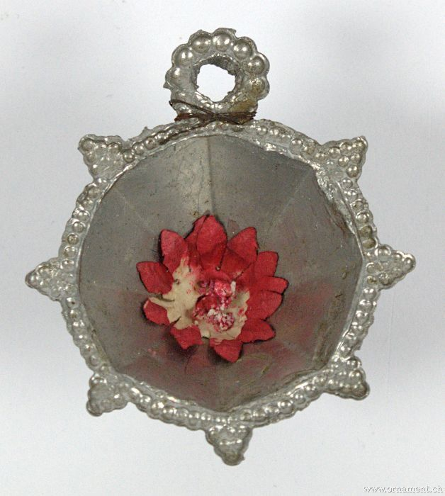 Tin Rosette with  Flower