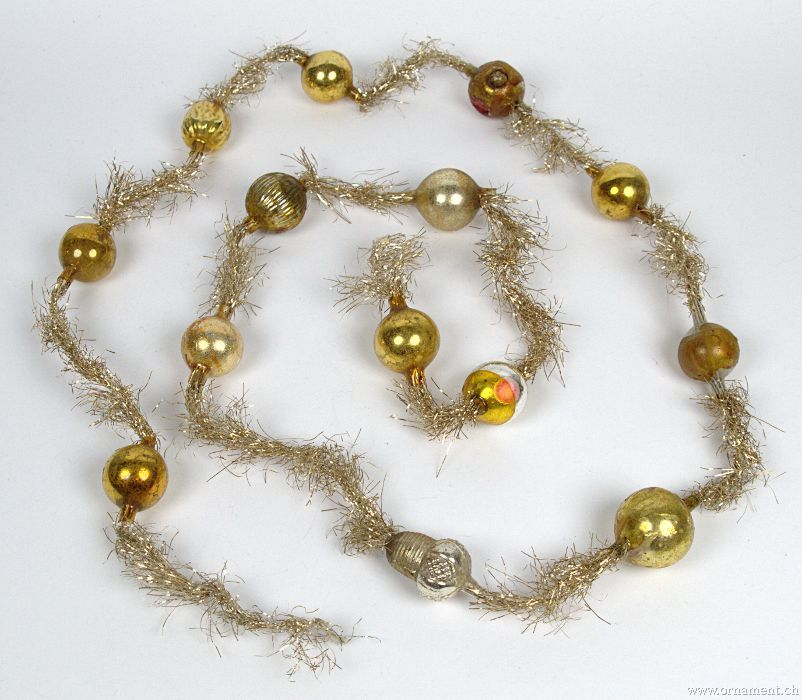 Tinsel Garland with Golden Beads