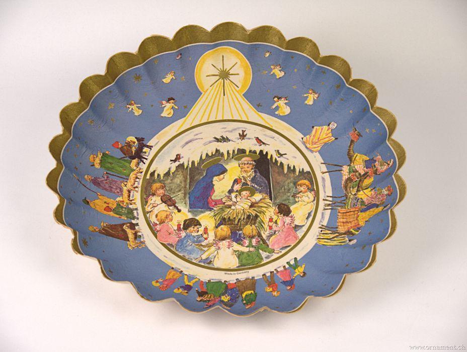 Christmas Cookie Plate with Creche and Children