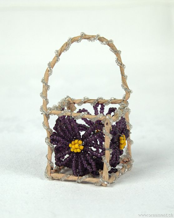 Small Scuare Bead Basket
